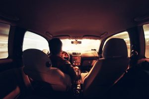 NUEVA MODIFICACIÓN: EN LOS VEHÍCULOS PODRÁ IR UNA PERSONA POR FILA DE ASIENTOS